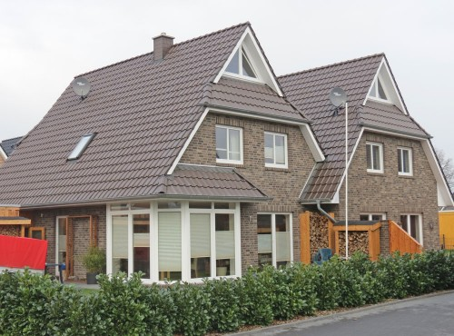 Das Doppelhaus »Sonnenseite« bietet eine optimale Trennung der einzelnen Haushälften.